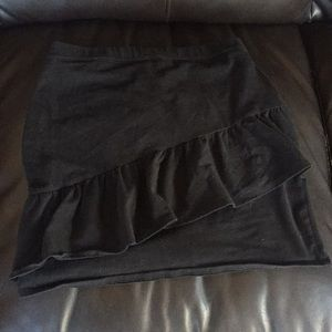 Black ruffle hollister skirt